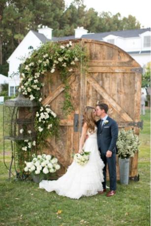 Et si vous vous offriez une belle cérémonie privée pour votre mariage à Toulon ?…